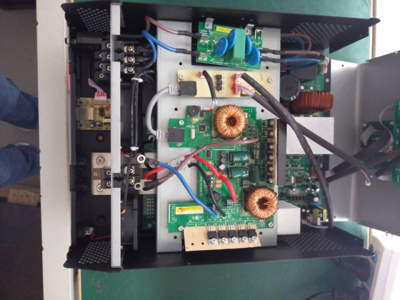 1kVA-5kVA-Hybrid-Solar-Inverter-with-MPPT-Solar-Charge-Controller