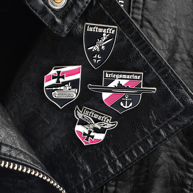 4pcs/set ww2 wwii Fighter Warship Eagle Tank German Luftwaffe Air Force Brooches Pins Badges Lapel pin Brooches for men 1