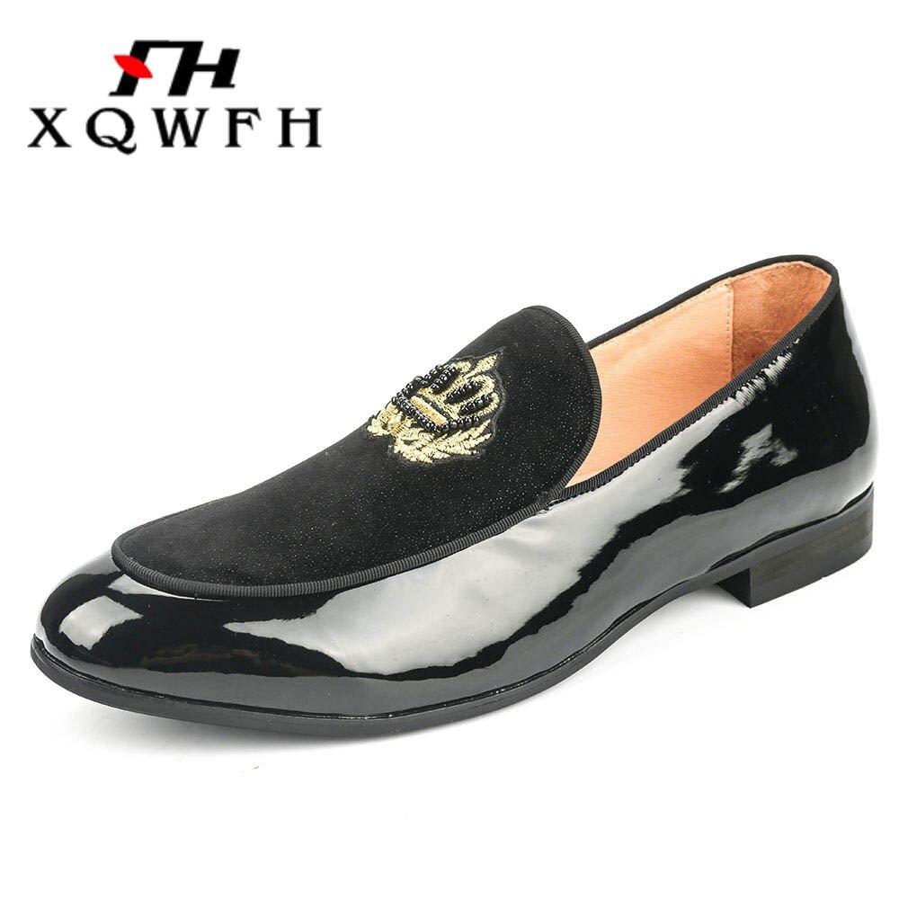 Xqwfh 남자 공식적인 드레스 신발 블랙 모티브 수 놓은 벨벳로 퍼 남성 웨딩 신발 크기 5.5 13.5-에서남성용 캐주얼 신발부터 신발 의  그룹 3