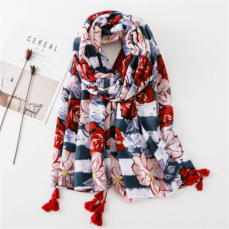 2018 Spain Luxury Brand Floral Tassel Viscose Shawl   Scarf   Women   Wraps   and Shawls Big Size Pashminas Muslim Hijab Echarpe Foulard