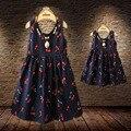 Summer style family clothing a juego vestidos de algodón vestido sin mangas de impresión de la cereza de la familia madre e hija trajes a juego