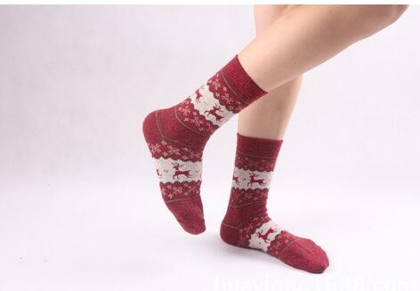 1pair/lot free shipping  Christmas Snow Flake Deer Design knitted Socks cartoon deer Winter warm socks free size
