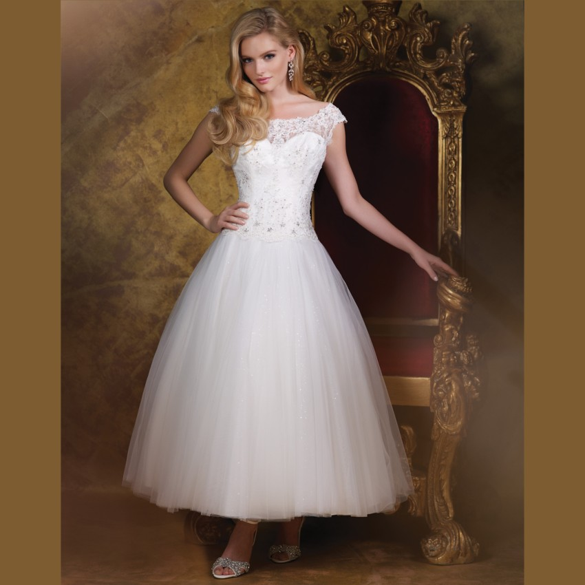 Bride Gowns 2015: 2015 Newest White Lace Short Wedding Dresses Tea Length