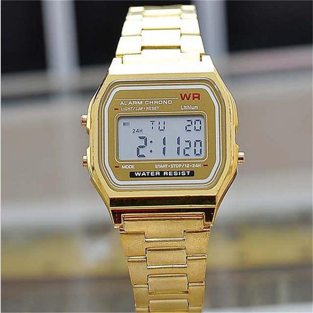 6c112d2890c placeholder 2018 Nova Moda ouro prata Casal Silicone Relógio quadrado  relógio digital militar homens mulheres se