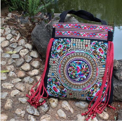Simpática Senhora Bordado sacos! 2015 nova tendência nacional sacos bordados feitos à mão flor bordados étnicos saco clothshoulder bolsas