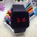 Tela Sensível Ao Toque de 2017 Quente LEVOU Pulseira Quadrado Relógios Digitais Para Os Homens & Ladies & Mulheres Relógio ou Relógio Criança Esportes 11 Cores Relógio de Pulso