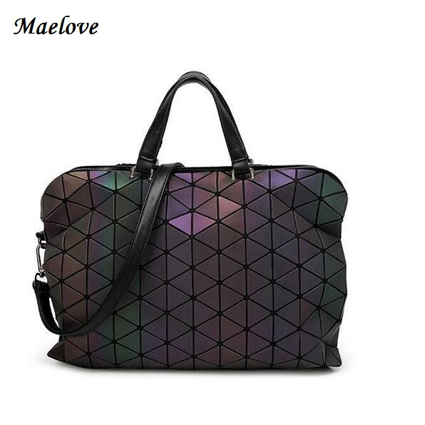Maelove Luminous Bag 2019 High-end Geometric Lattic Diamond Plaid Handväskor Axelväska Hologram Laser Silver Drop Shipping