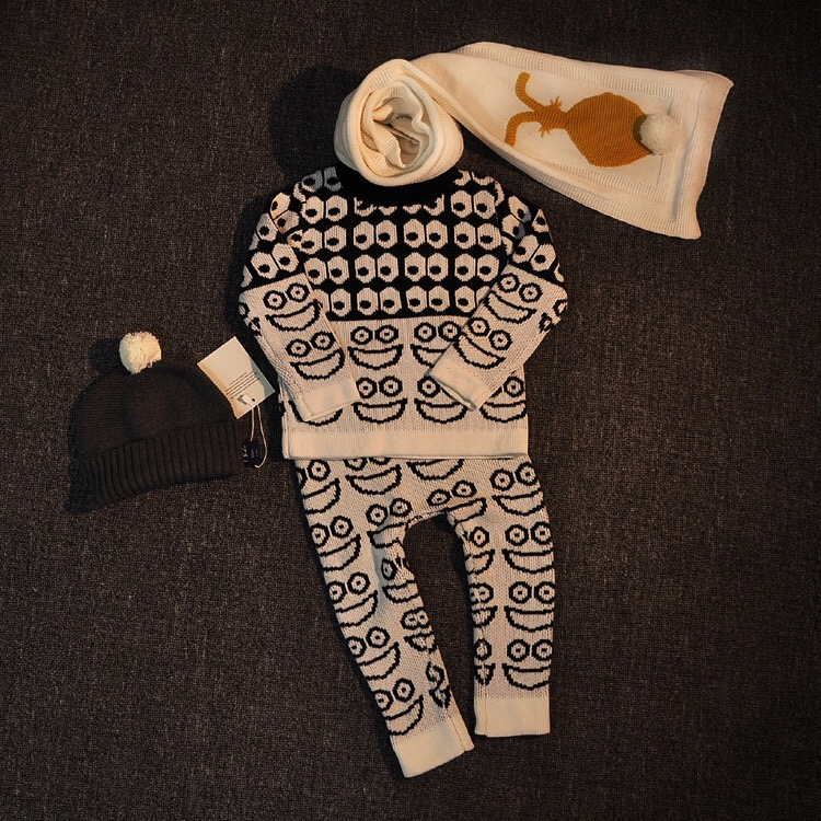 где купить  ins* 2016 baby boys girls cotton knitted clothes sets ( sweater & pants) kids autumn winter sweaters big eye pattern 1-5Y  дешево