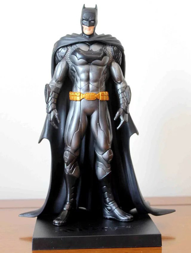 Batman New 52th Ver. Action Figure 1/8 Scale Painted Figure Black Knight PVC Action Figure Collectible Model Toy 18cmKT3356 star wars taiko yaku stormtrooper 1 8 scale painted variant stormtrooper pvc action figure collectible model toy 17cm kt3256