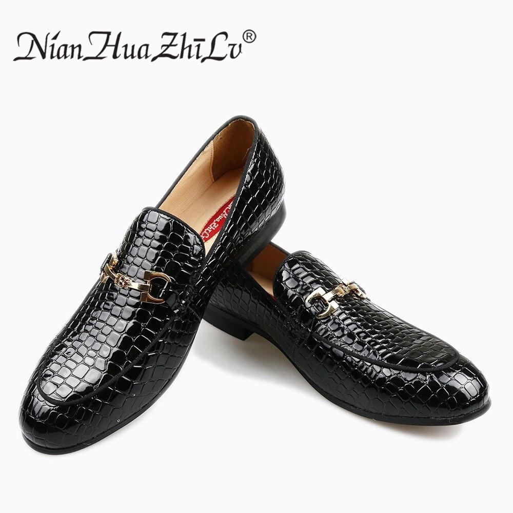 HUA NIAN ZHI LV marca grano de piedra en relieve los hombres de alto grado zapatos. Cómodo negocio hombres zapatos casuales. Pisos de los hombres