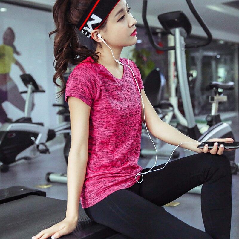 Las mujeres atractivas del o-cuello Camisetas de yoga espacio Dyeing fitness  femenino deporte t-shirt Top barato Mallas para correr Ladies gym ropa  manga ... 18a8bedeb5973