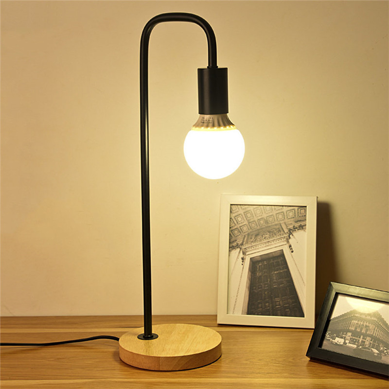 Nordic nowoczesny drewniane biurko lampy sypialnia lampki nocne drewniany stół lampy proste metalowy stół oprawy pokój oświetlenie dekoracyjne E27 40W