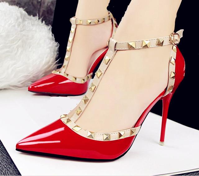 Novo 2016 da marca sexy Mulheres Da Bomba de fundo Vermelho de Salto Alto Sandália mulheres Spike Apontou Dedo Do Pé com sapatos de salto alto fino Vestido de Festa Sapatos mulher