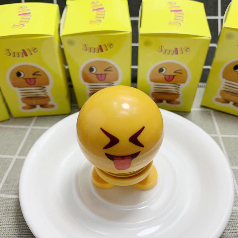 Creative Cartoon Plastic Smiley Spring Shaking Head Doll Mounted On Auto Dashboard ornaments Funny Model Toys Car Accessories
