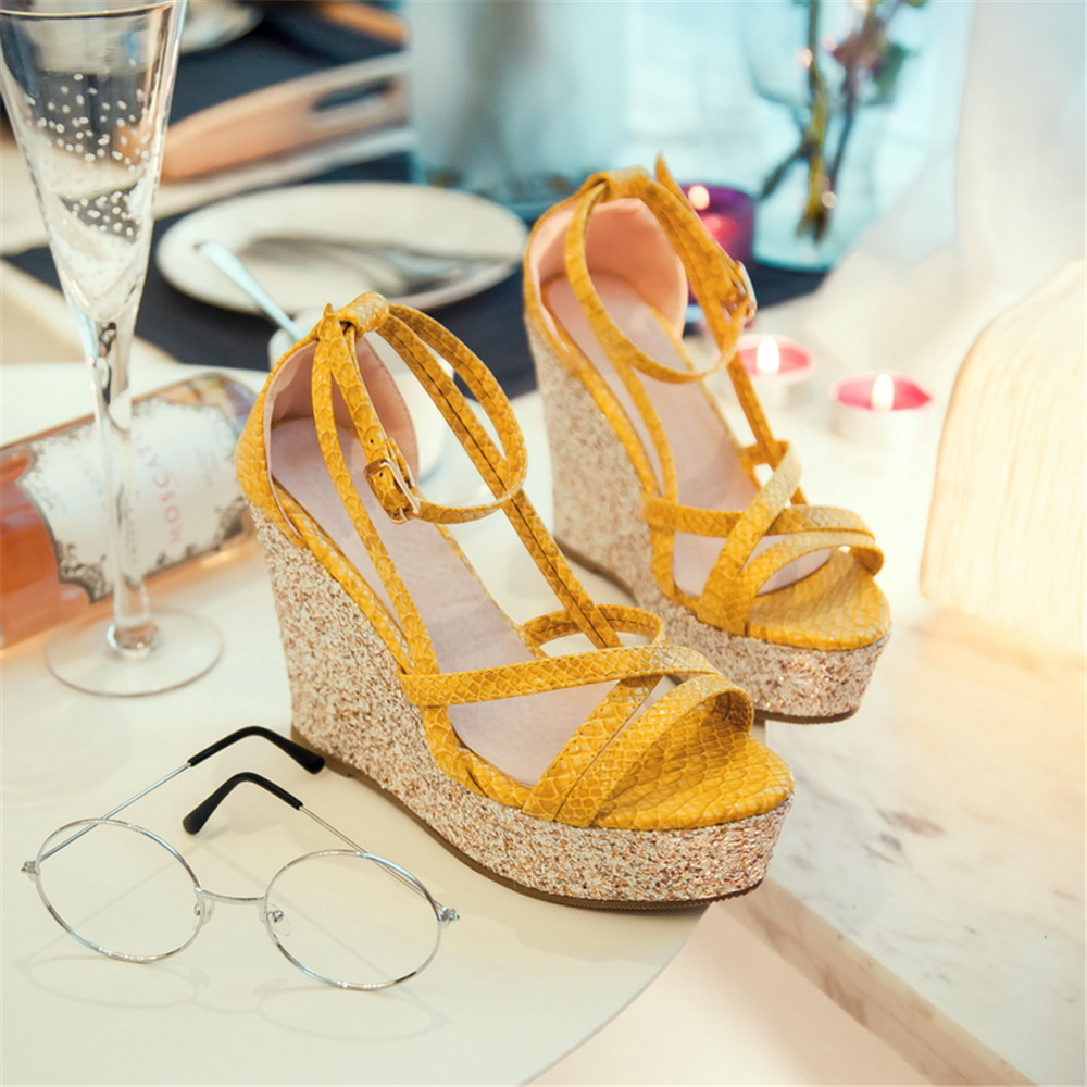 Sandals shoes holidays - 2016 New Summer Fashion Holiday Solid Fish Toe Women Sandals Wedges Heel Elegant Comfortable And