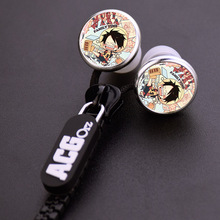 Anime One Piece Straw Hat Pirates Luffy Zipper Cable Earphone Wired Stereo In-ear Earbuds Earphones Headset for Iphone Samsung