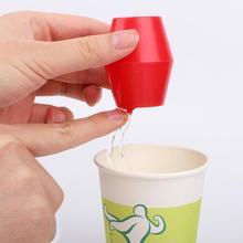 Волшебная чашка для воды, подвесное ведро для воды, вода остается волшебными трюками, крупным планом, магические спецсредства