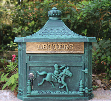 Rustic Cast Iron Green Mail Box Mailbox Metal Letters Post Box Wall Mounted Postbox Country Home Decor Garden Yard Supplies