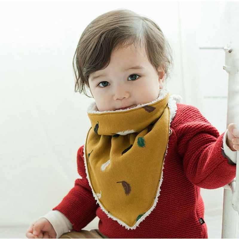 حار الطفل سميكة الدافئة مثلث وشاح منشفة لعاب الأطفال تغذية مريلة طفل أزياء لينة ملابس التجشؤ الشتاء الرضع