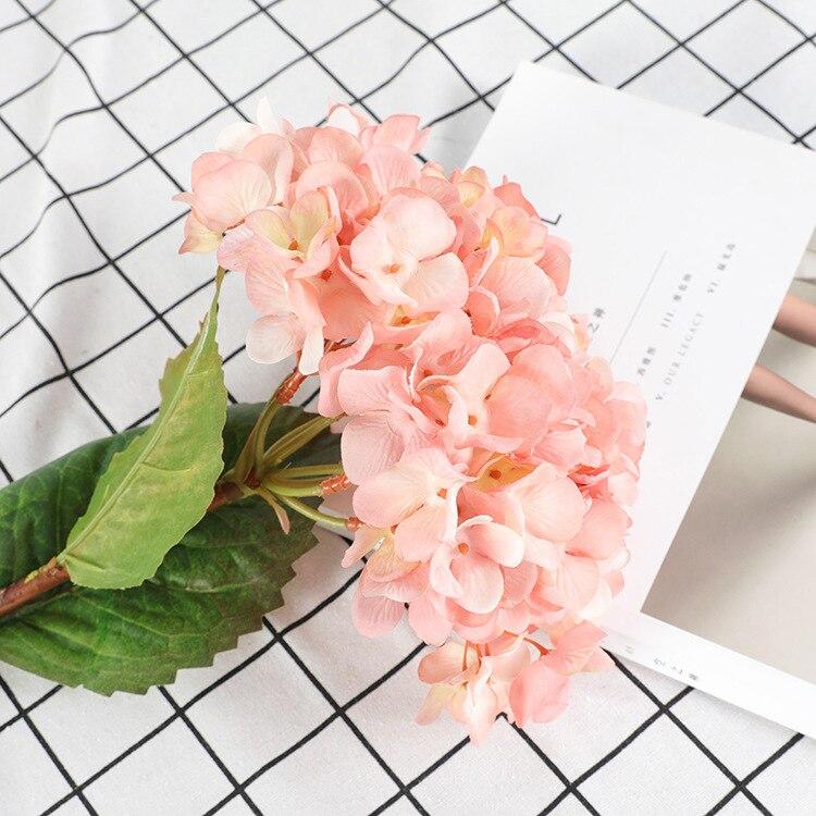 Bunga Berbelanja Sutra Palsu