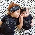 Bebé niños niñas manga corta camiseta, ropa de verano para niños, algodón letra impresa, Hermana Hermano negro niño tops tees 3-36 M
