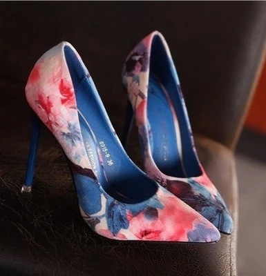 Free shipping fashion thin heels pointed toe shoes women Floral pumps 2 colors 3058-1