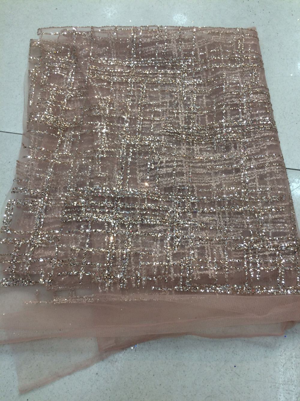 Hot selling Cyndi 1010113 glued glitter sequins lace fabric African French net tulle Lace Fabric for