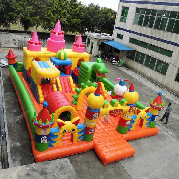 exterior comercial castillo trampoln gigante parque de atracciones inflable zona de juegos para los nios