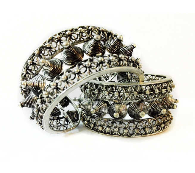 free shipping >>>>>Pair +Hot! ! Jewelry Rivet Rock Cuff Bracelet Bangle Tibet Silver Carved Unisex