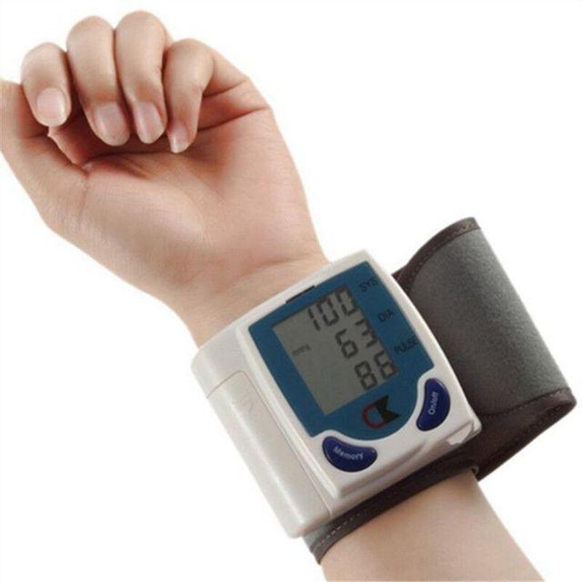 2016 new digital tonometer LCD Wrist Cuff Blood Pressure Monitor Heart Beat Meter health monitors blood Pressure monitor