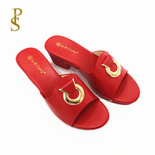 Sapatos com botões de metal chinelos de verão feminino