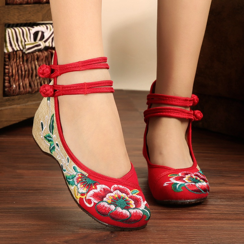 Fashion Ethnic Women Shoes Old Beijing Mary Jane Flats With Casual Shoes Chinese Style Embroidered Cloth Shoes Woman Plus Size  цены