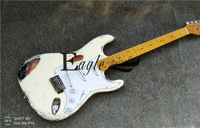 Eagle. Butterfly, Electric Guitar Electric Bass Custom Shop, Sunset Color White Electric Guitar ST Make Old guitar in stockEagle. Butterfly, Electric Guitar Electric Bass Custom Shop, Sunset Color White Electric Guitar ST Make Old guitar in stock