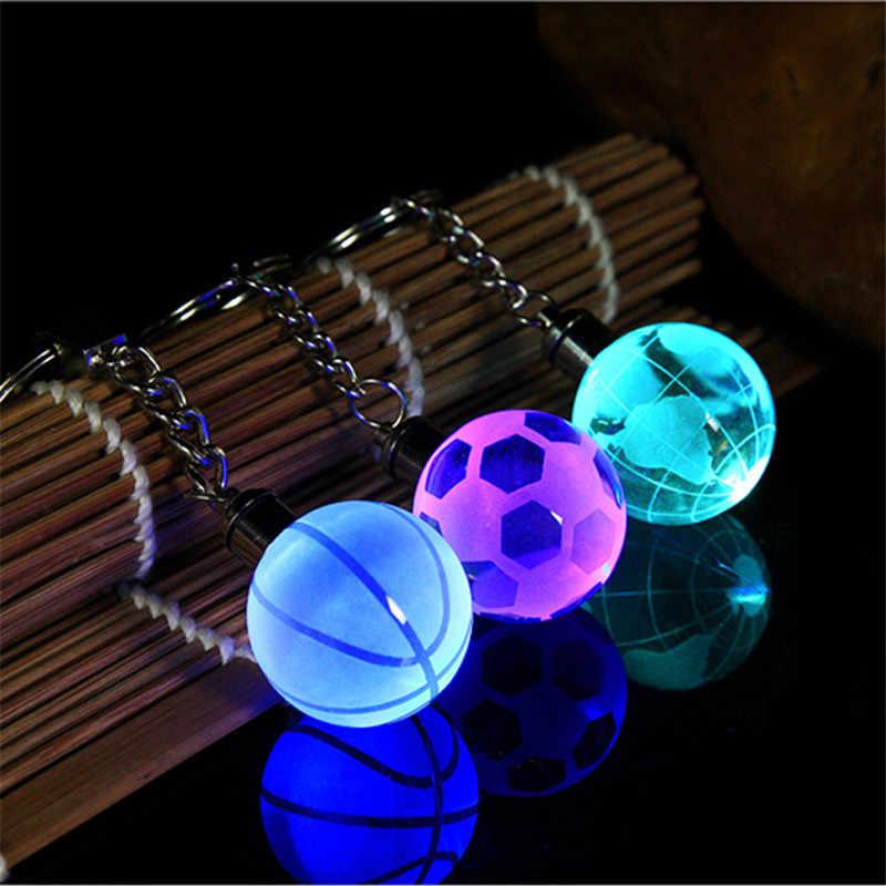 เลเซอร์แกะสลักที่กำหนดเอง 3D คริสตัลฟุตบอลบาสเกตบอล Key ที่มีสีสันไฟ Led แขวนผนังแหวนพวงกุญแจของที่ระลึก