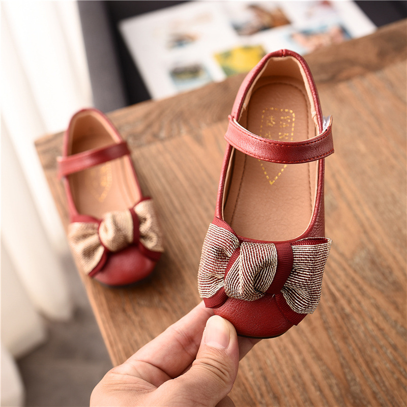 HITOMAGIC Girls Shoes Leather 2018 Kids Children Girl Princess Shoes Toddler  For Autumn Party Wedding Pink With Bow Flat Size 1 -in Leather Shoes from  ... 3b1c43474d51