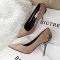 2017 Moda de metal saltos finos das mulheres sapatos único dedo apontado sexy alta-sapatos de salto alto senhoras casamento & do partido vestir todos os sapatos jogo