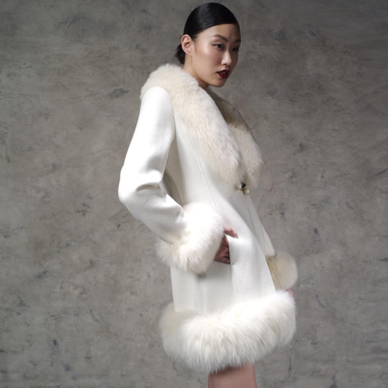 b9264e624ef5e High end flagship Super plus size fur fox fur collar cashmere coat ladies  snow white wool tweed jacket-in Wool   Blends from Women s Clothing on ...