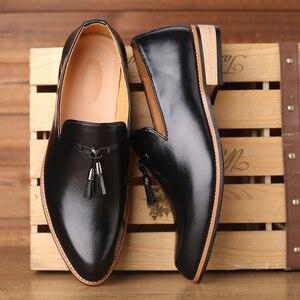 Image 1 - Мужские модельные туфли; Мужские свадебные туфли из лакированной кожи в британском стиле; Мужские кожаные оксфорды на плоской подошве; Официальная обувь