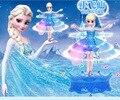 Lo nuevo Elsa Con Música de Juguete Flying Fairy Infrarrojo Inducción de Control Flying Muñecas Para Niñas Juguetes de Control Remoto Caja de Snow Queen
