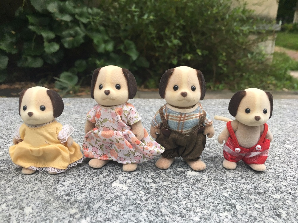 TT03-- Original Sylvanian Families Black Ear Dog Family 4pcs Set Girl Toy Animal Figures Toy Dolls New Loose tt03 sylvanian families mouse family 4pcs parents