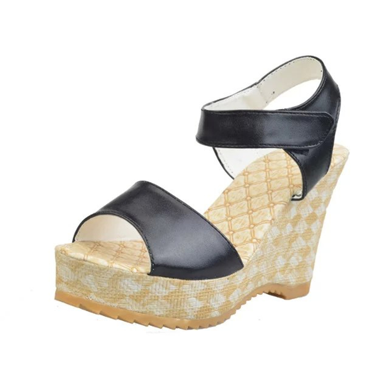 Thick Soled Walking Shoe For Womwn
