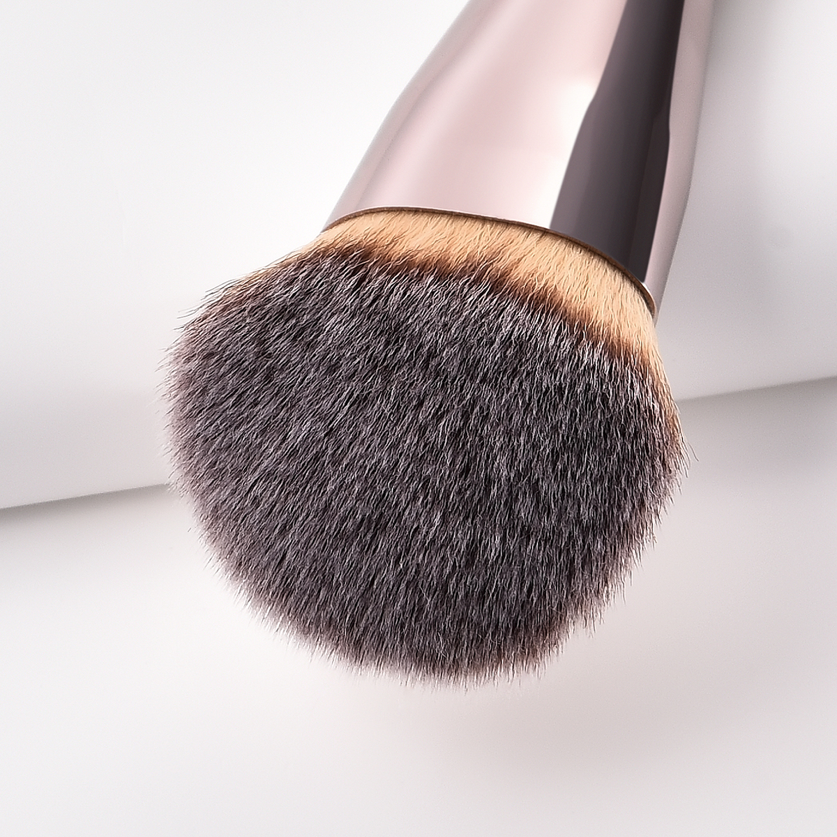 Image 4 - BBL 1 Piece Champagne Gold Precision Liquid Foundation Brush Perfect Pro Tapered Buffing Sculpting Angled Makeup Brushes Tools-in Eye Shadow Applicator from Beauty & Health