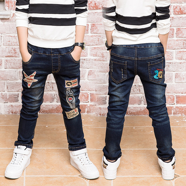 Nuevos Muchachos de Los Niños de Invierno Pantalones Vaqueros de Diseño de Moda Espesar Niños Bebé Denim Jeans Pantalones Casual Pantalones de Cintura Elástica Niños Ropa Caliente
