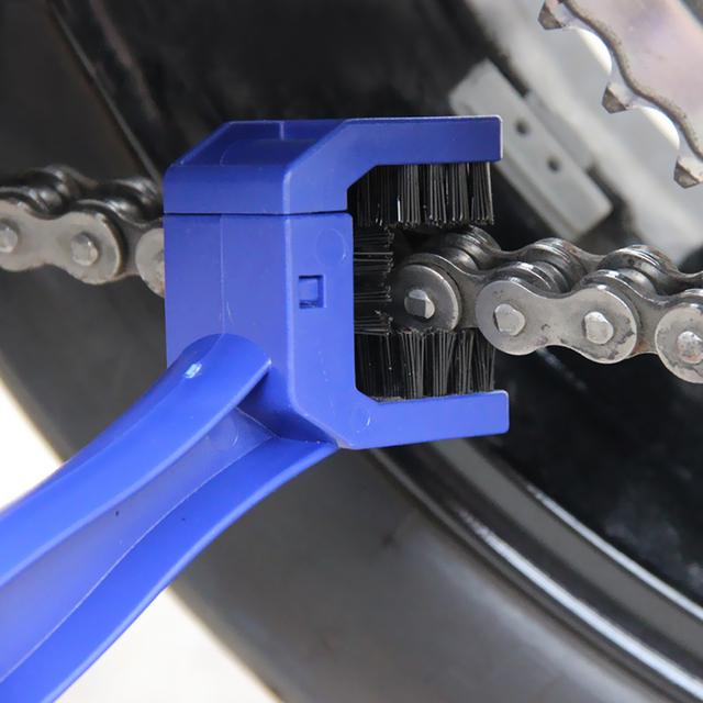 Motorcycle Accessories Moto Chain Brush Cleaner Cover For honda x4 triumph tiger yamaha dt 50 suzuki gixxer suzuki gixxer
