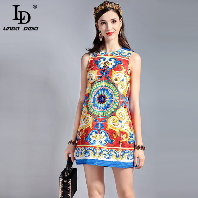 18fa7e8197e59 US $39.94 15% OFF|LD LINDA DELLA New 2018 Fashion Runway Designer Summer  Dress Women's Sleeveless Sequin Crystal Beading Elegant Mini Short Dress-in  ...