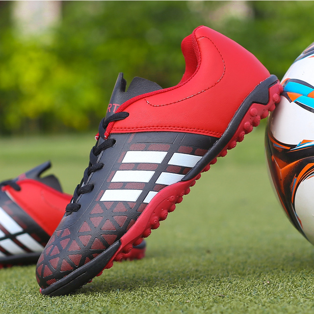 Men Football Soccer Boots Athletic Soccer Shoes 2018 New Leather Big Size High Top Soccer Cleats Training Football Sneaker Man