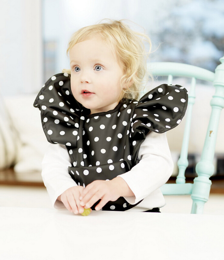 2015 Hot Selling Wholesale Baby Children Polka Dot Gold Waterproof PU Bibs Rice Oatmeal Eating Pocket