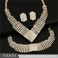 Hot Sales 18K Gold Silver Plated Crystal Jewelry Set Simple Design Necklace Jewelry Sets Africa Dance