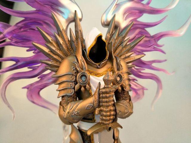 Action figure Action Figure WOW seraphim dark Tyrael archangel 28 cm PVC 3