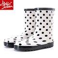 Mulheres Botas de Chuva Moda Rainboots sapatos de Borracha À Prova D' Água Senhoras Sapatos Rainday Polka Dot Sapatos De Água Menina Mid-Calf Verão Skid 2016